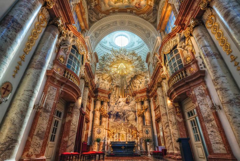 karl kilisesi içi