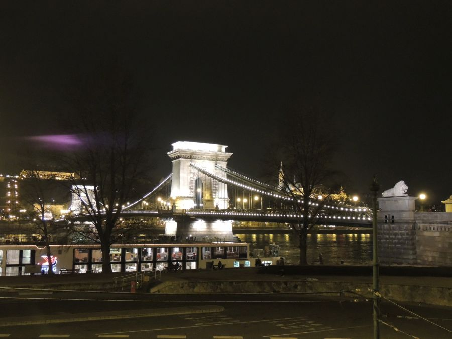 budapeste chain bridge