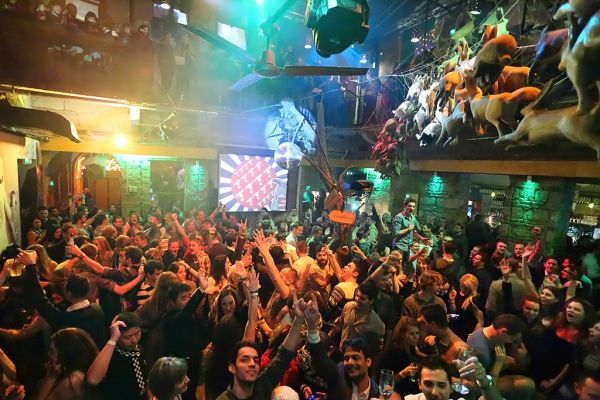 Budapeşte Gece Hayatı (En İyi 13 Gece Kulübü)