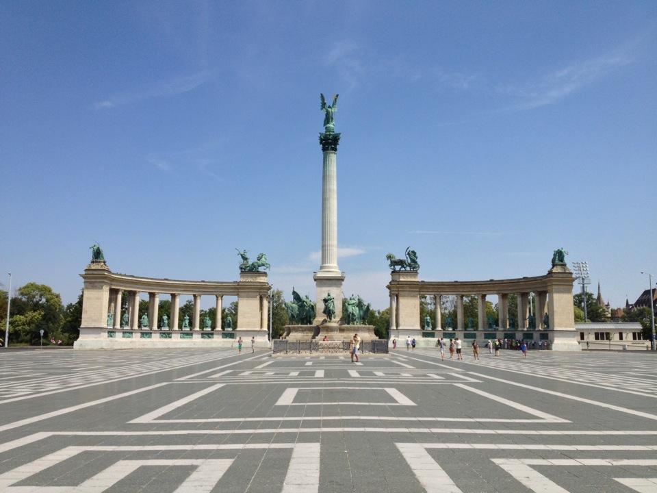 Budapeşte Kahramanlar Meydanı (Heroes Square)