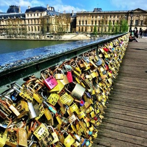 aşıklar köprüsü paris