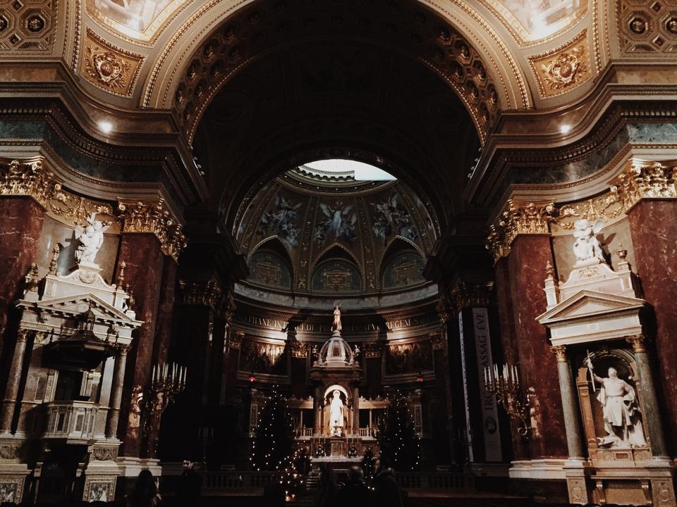 aziz stephen bazilikası içi