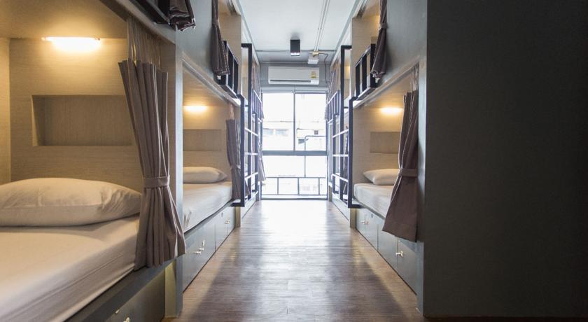 hostel-perde