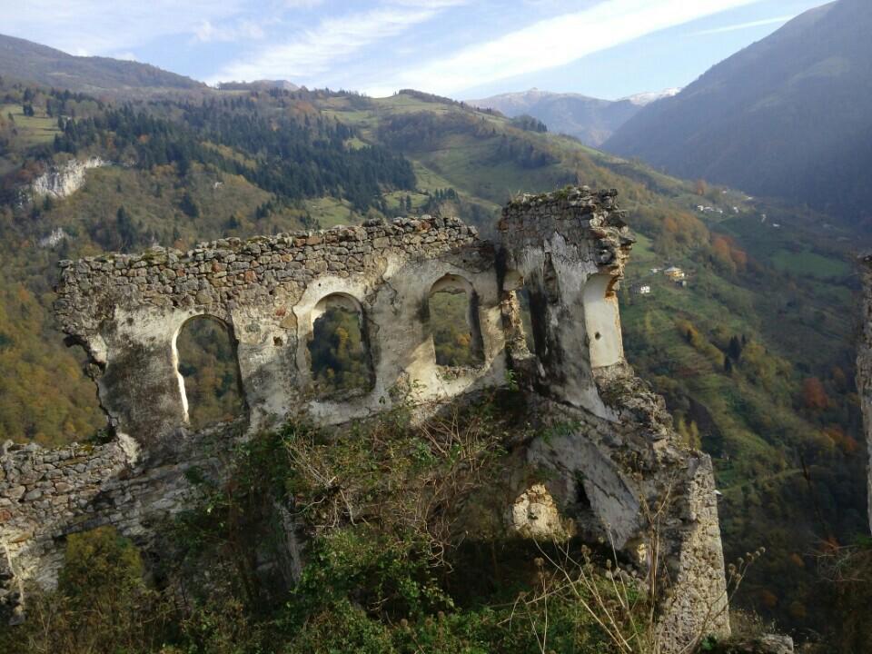 kustul-manastiri
